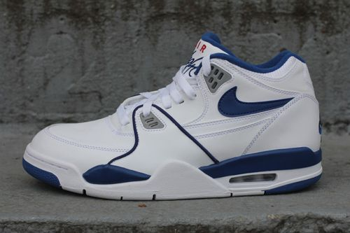 Nike Air Flight 89 White/Blue is back!