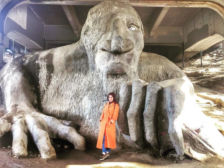 Sevmeyelim de taşa mı dönelim #seattle #washington #state #fremonttroll #stone #art #sanat #sokak #street #city #roadtrip #vacation #gezi #tatil #happiness #amazing #view #heykel #taş #style #holiday #trip #seesight #visiting #travel http://turkrazzi.com/ipost/1521530400244162274/?code=BUdj9Ztgt7i