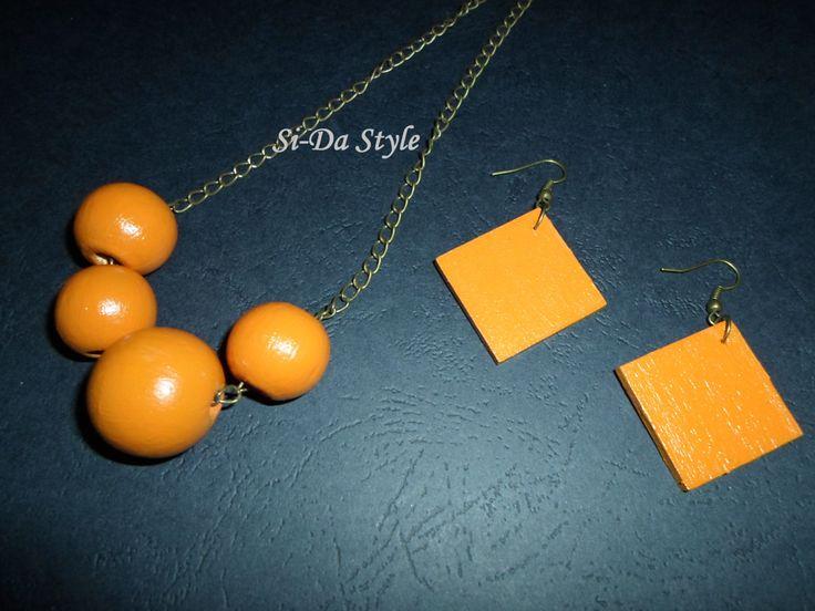 Orange hanpainted wood necklace / earrings 6 jewelry set. by SiDaStyle on Etsy