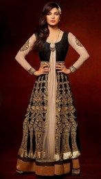 Priyanka Chopra In Gorgeous Black Color Anarkali