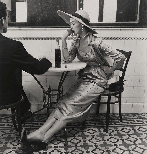 An image of Vogue fashion photograph, Café in Lima, Peru (Jean Patchett) 1948