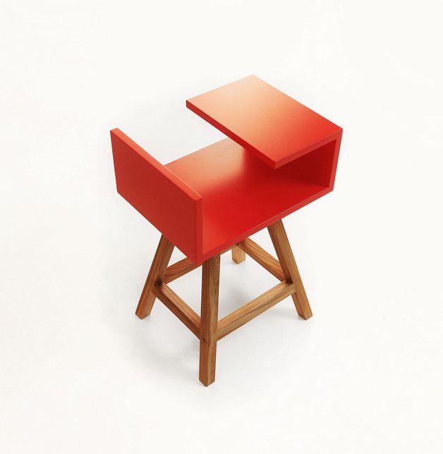 Stolik nocny w energetycznym czerwonym kolorze  #stolik #meble #czerwony #red #design