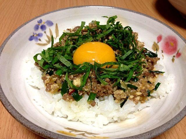簡単過ぎる〜(^_^;) でも時間ない時は便利です - 34件のもぐもぐ - 豆腐とひき肉そぼろ丼 玉子のせ by こんこん