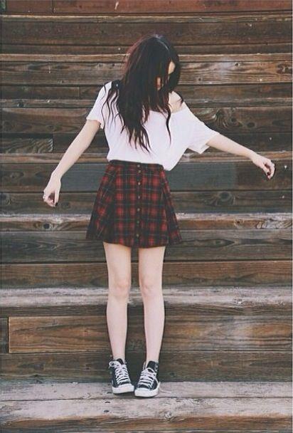 loose tee + tartan skirt