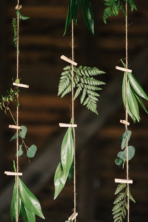 Love this use of greenery!!