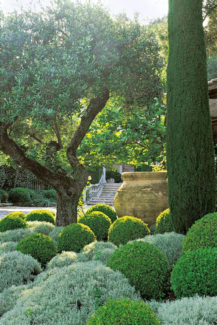 Schauen Sie Sich Einige Der Schonsten Privaten Garten Des Mittelmeers An Einige Garten Mittelmeers Beaux Jardins Jardin Mediterraneen Jardin Contemporain