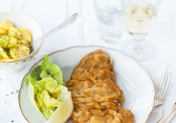 Made from veal and served with potatoe salad this dish is probably the most famous when it comes to Austrian cuisine.