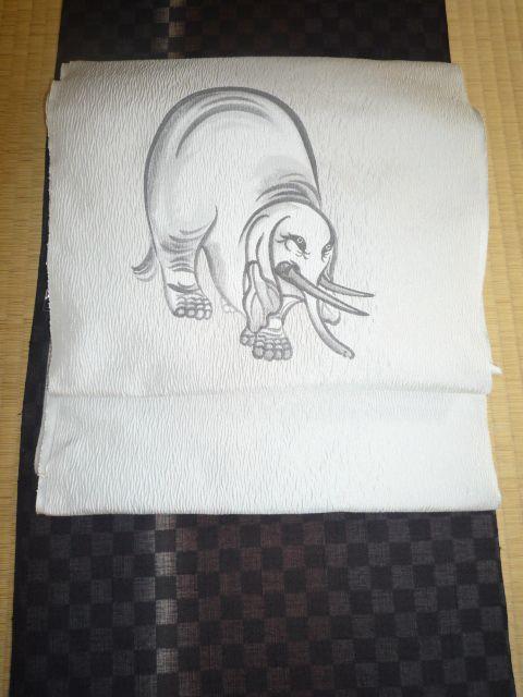 白象図杉戸絵