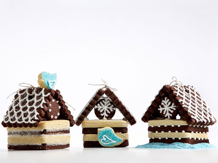 Build cute, with an alternative to gingerbread: Recipe for vanilla and chocolate shortbread birdhouses