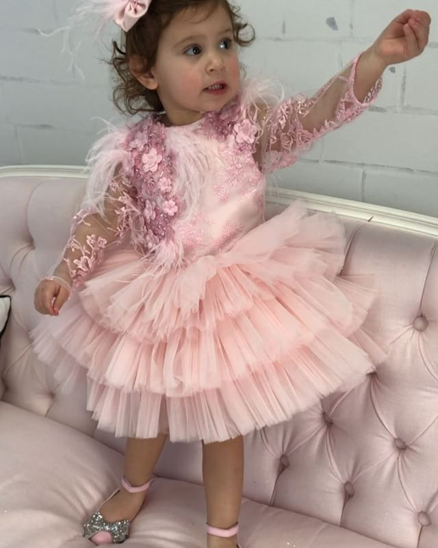 That face though..  Maha Dress  In stock and ready to ship  Order here  www.ittybittytoes.com Worldwide Delivery ✈️ittybittytoes