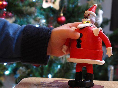 Making a musical Robot Santa (from Futurama) ornament using an ATtiny 85