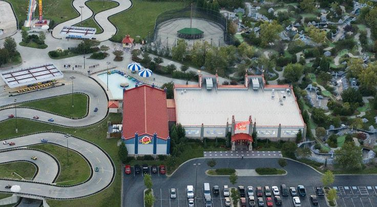 Frankie's Fun Park in Greenville SC - Things to do with the family :) Go carts,  laser tag,  bumper boats,  mini putt putt golf,  arcade,  batting cages,  amusement rides,  indoor play house,  Johnny Rockets restaurant and more!