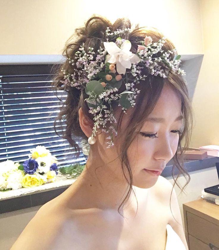 #wedding hair #ウェディングヘア #フラワー #ウェディング #ヘアスタイル #bridal #hair style #bridalhair #flower #ナチュラル #・ ・ ちっちゃなお花を 無造作に 束ねた花冠です ・ ・ ルーズでラフな ヘアスタイルに乗せると ・ ナチュラルだけど インパクトがある スタイリングになります♡  #結婚式#美容師#髪型#ブライダル#ヘアアレンジ#ヘアアクセ#ヘアセット#名古屋#栄#セット#ドレス#花嫁#編み込み#ルーズ#美容院#美容室#ヘアメイク#ウェディング#ヘアスタイル#アレンジ#プレ花嫁#セットサロン#hairstyle#hairstyles#bridal#weddinghair#bridalhair#hairarrang#ceuyuki