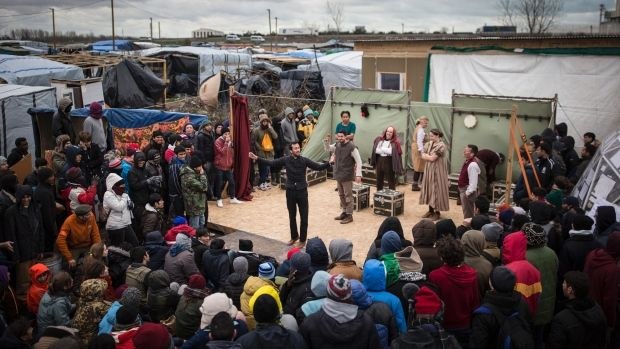 Shakespeare's Globe Theatre stages Hamlet in squalid Calais ...