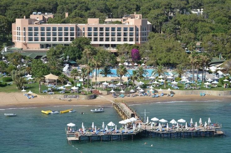 Turquoise Hotel - Doğanın kalbinde geçireceğiniz huzurlu bir tatil için konfordan ödün vermenize gerek olmadığını Turquoise Hotel ayrıcalığıyla görebilirsiniz. Herbiri çam ağaçlarının arasında yer alan, Standart Odalar, Delux Odalar, Aile odaları ve Delux Suitler konforunuz ve önceliklerinize göre …
