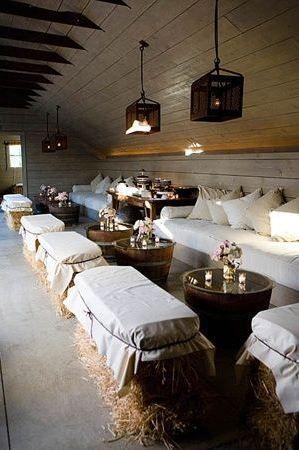 Hochzeitsempfang Lounge. Lesen Sie mehr – www.humminghearts …   – Boho Wedding Decoration