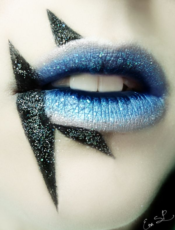 halloween schminke lippen gruselig blau silber schwarz