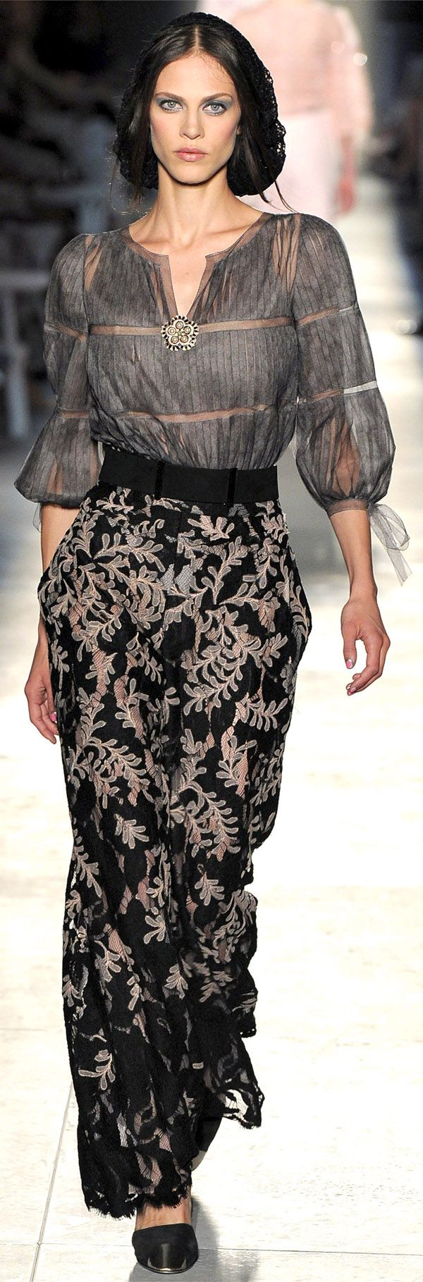 ✜ Chanel | Paris | Winter 2013 ✜ http://www.vogue.it/en/shows/show/haute-couture-fall-winter-2012/chanel...the bloque..