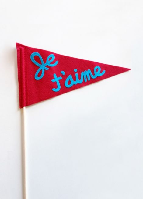 Michi Girl — Je t'aime Frenchy felty flag