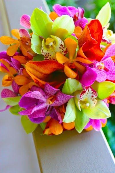 Tropical Bouquets - Tropical Wedding Bouquets | http://simpleweddingstuff.blogspot.com/2014/07/tropical-bouquets-tropical-wedding.html