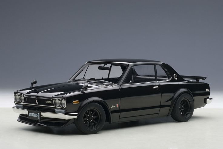 Nissan Skyline GT-R (KPGC10) - 1:18 Scale Diecast Model Car