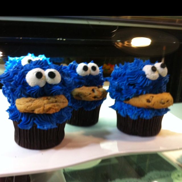 Cookie monster cupcakes :) yum yum   Mariposa market orillia- We love going there atleast once a month we go for treats and lattes