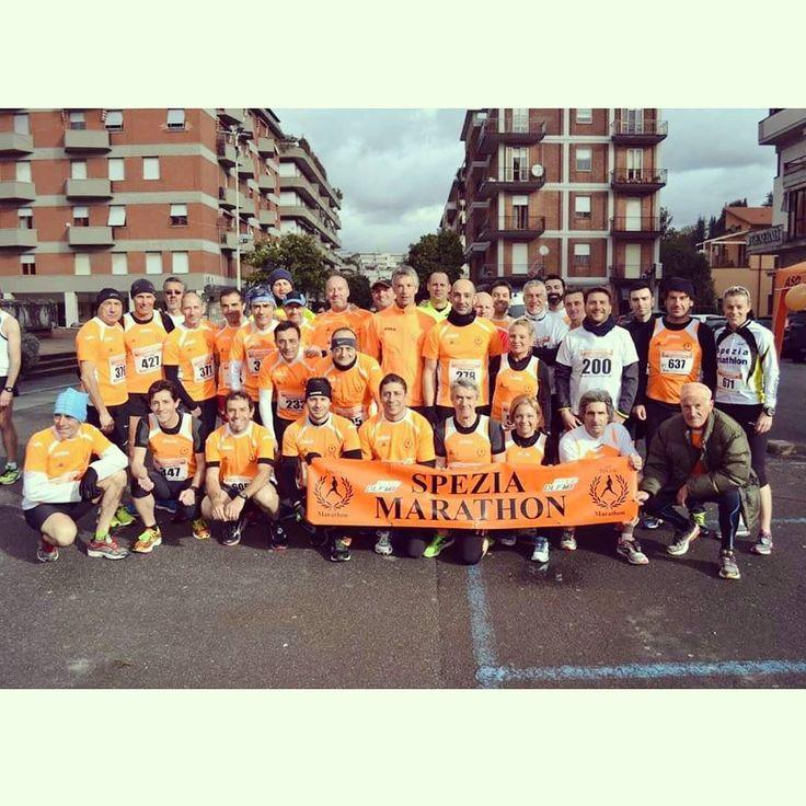 #corrilunigiana #corriperaulla #speziamarathondlf #orange #fante #fanti #fantela #fantele #run #running #champagne by spezia_marathon_dlf