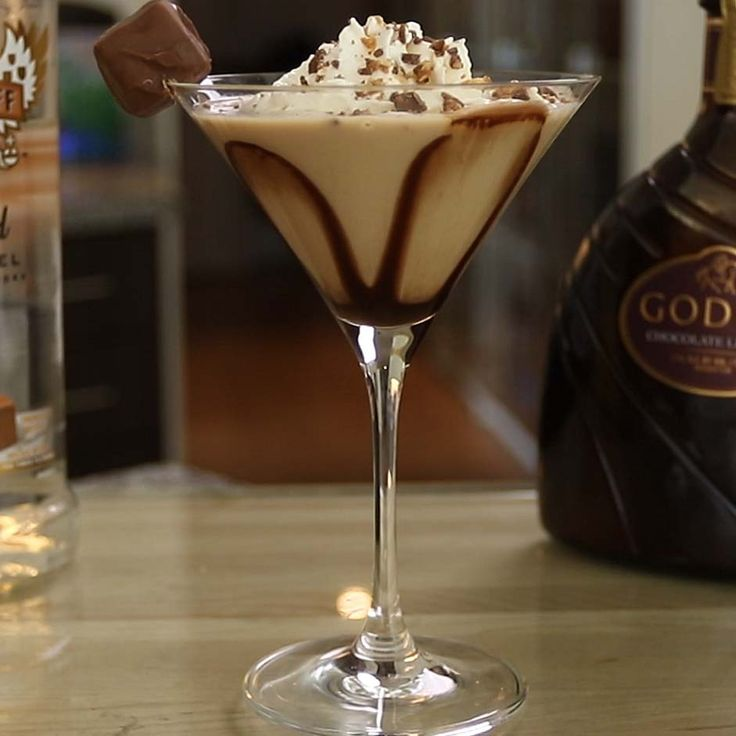 SNICKERTINI 1 oz. (30ml) Caramel Vodka 1 oz. (30ml) Frangelico 1 oz. (30ml) Irish Cream 1 1/2 oz. (45ml) Chocolate Liqueur Chocolate Syrup Garnish: Whipped Cream, Snickers PREPARATION 1. In a shaker with ice, combine caramel vodka, Frangelico, Irish cream, and chocolate liqueur. Shake well. 2. Drizzle chocolate syrup on the inside of your serving …