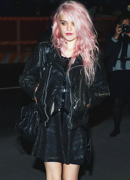 Sky Ferreira | pink hair, leather, LBD, all black