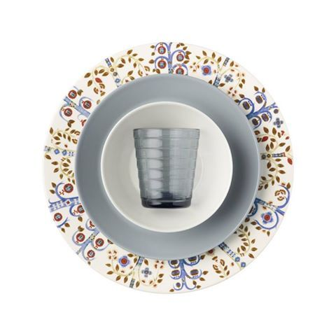 Iittala - Cast a spell over your dinner guest with a magical table setting. Enhance the colours of white Taika by adding Teema and Aino Aalto in grey and white. A creative, yet sophisticated combination where fantasy and great design goes perfectly together.