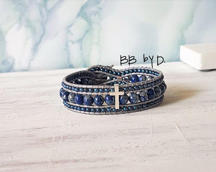 Bracelet Wrap multirangs Mixte, Croix argenté.Manchette en cuir,perles de rocailles et perles de verre bleu picasso.Style bohème hippie chic