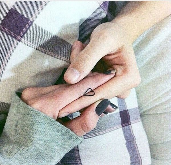 31 Parejas que plasmaron su amor mutuo mediante tatuajes ¿Cual te parece el más original? | Difundir.ORG