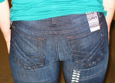 Great (and humorous) article about finding jeans that fit right (& avoiding mom jeans)