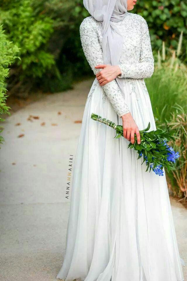 Dress panjang hitam putih style