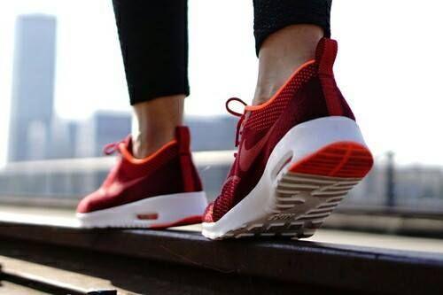 Nike Rosherun - stylowe, wygodne i w pięknej kolorystyce. Czego chcieć więcej na wiosnę? :) Polecamy!   PS. TYLKO 209,99 !
