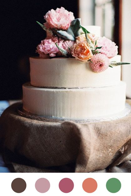 We just love the delicious cake with fall colored flowers that @Julie Forrest Gates Beyond shared.  Being able to have your cake and your flowers too? Yes, please!