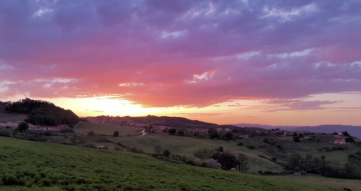 Spectacular sunset over Moruzze, a small village between Todi and orvieto, high above the Tiber Valley, Umbria, Italy. Photo by Caroline van Agteren