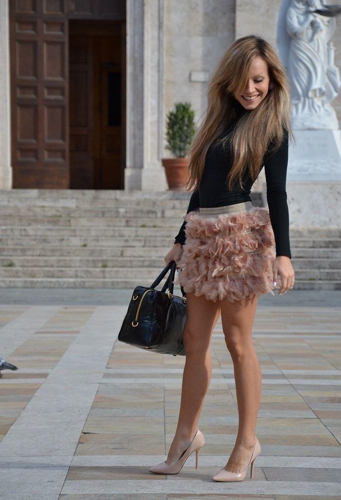 combinar falda plumas