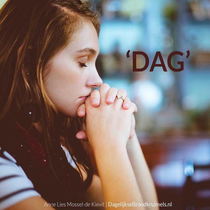 Heb jij vandaag je schepper al gedag gezegd, gegroet Hij die vandaag het wolkgordijn weer voor je opendoet, je een ontbijt van liefde geeft en die je kleedt met kracht heb je op deze nieuwe dag al aan je God gedacht? Hij is een Vader die je nooit een steen als brood zal geven Hij is een leraar... #Waarheid  https://www.dagelijksebroodkruimels.nl/dag/