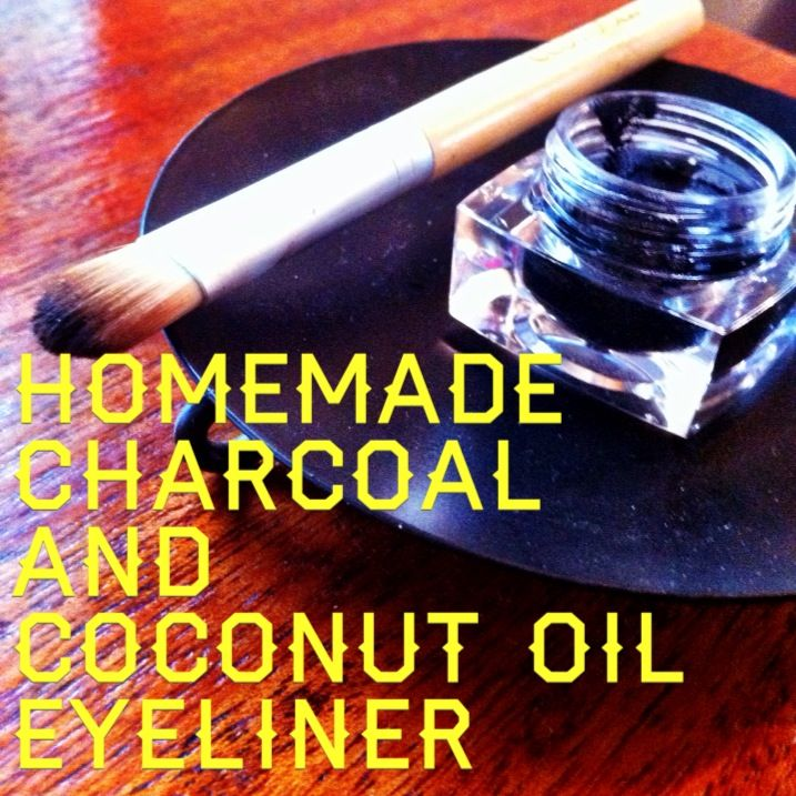 Homemade Charcoal and Coconut Oil Eyeliner | Inspire Beauty Tips