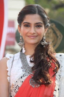 Sonam Kapoor Beautiful Saree Pictures ~ Bollywood Pictures | Bollywood Wallpapers | Bollywood News | South India and Pakistani Hot Updates