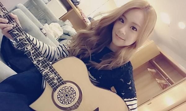 KARA Han Seungyeon, Playing The Guitar For Their Upcoming Concert 'Be Excited' http://www.kpopstarz.com/articles/138265/20141119/kara-han-seungyeon-playing-the-guitar-for-their-upcoming-concert-be-excited.htm