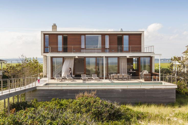 Hamptons beach house, beach house, Hamptons, Aamodt/Plumb Architects, ocean, seaside, hurricanes, salt corrosion, concrete, disaster proof design, resilient design, disaster proof home