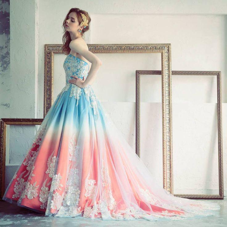朝焼けの空を切り取ったようなグラデーションカラーが美しいDESTINAのカラードレス。寒色から暖色への変化がとっても印象的な一着です✨ #北海道 #旭川 #ブルーミントンヒル #結婚式場 #結婚式 #ウェディング #挙式 #プレ花嫁 #日本中のプレ花嫁さんと繋がりたい #全国のプレ花嫁さんと繋がりたい #ドレス #衣装 #カラードレス #ディスティーナ #DESTINA #ウェディングドレス #カクテルドレス #ドレス選び #ドレス試着 #ドレス迷子 #結婚式準備 #結婚準備 #グラデーションカラー #グラデーション #チュール #チュールスカート #花嫁 #2018春婚 #2018夏婚 #2018wedding