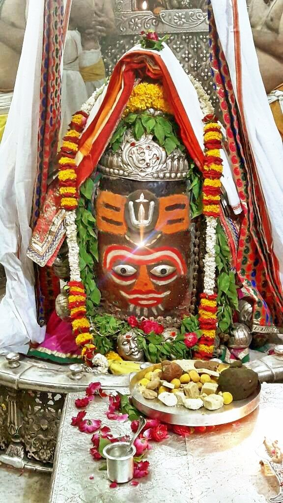 #Bhasma #Aarti pic of Shree #Mahakal #Ujjain - May 23             . . . Follow our FB page: www.facebook.com/ujjaintravel   . . . #शिव #उज्जैन #महाकाल #ॐ #mahakal#mahakalcity #ujjain #loveujjain #ujjaindiaries#Mahakaleshwar #shiv #shivratri #shiva#omnamahshivay #bholenath #jaimahakal#jaibholenath #harharmahadev #mahadev #travel#tourism #MPTourism #ujjain_travel #temple