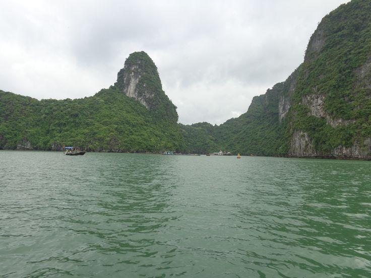 Tour durch die Halong Bucht  #Reisetipps #Urlaub #Vietnam #Reiseempfehlung #Asien #Fernreisen #Begegnungsreisen #FremdeKulturen #Frauenreise