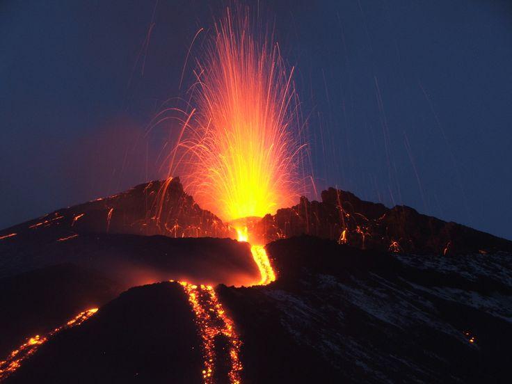 immagini del web | ... alla prudenza sul vulcano nel week-end di Ferragosto | Stretto Web