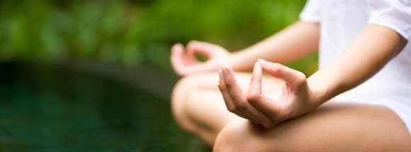 Según un nuevo #estudio publicado en Journal of Clinical Oncology, la #práctica de #yoga durante al menos tres meses puede reducir la #fatiga y la #inflamación en las supervivientes de #cáncer de mama. Descubre más en nuestro blog...