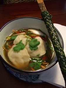 A healthy and quick Chicken and vegetable Wonton Soup