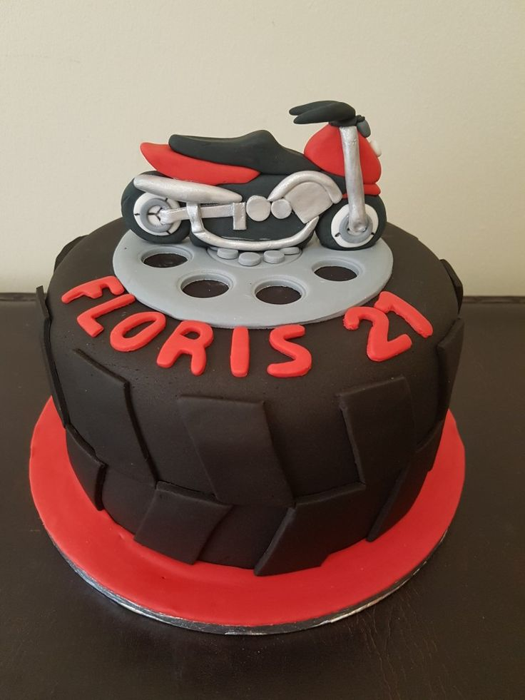 Motorbike fondant cake